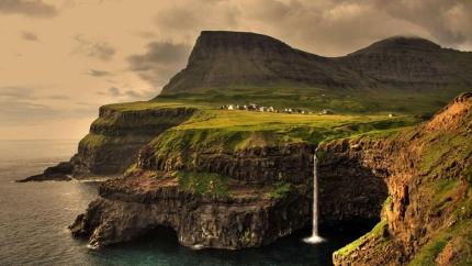 Faroe-Island-waterfall-Gasadalur